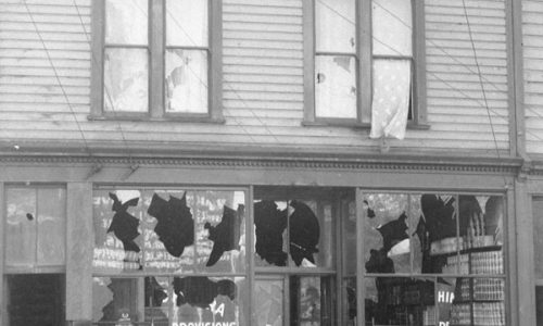 Library and Archives Canada MIKAN 3363536 1907-Riots damage to Japanese property